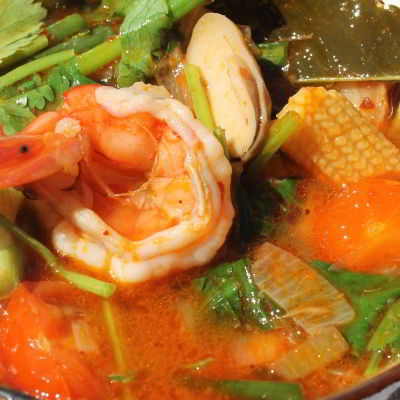 TOM YAM KUNG, Thai Soup with Shrimp and Tamarind - ต้มยำกุ้ง
